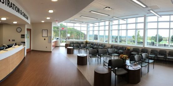 Geauga Seideman Cancer Center - Waiting room (good)